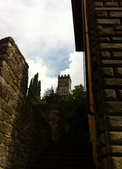 Il campanile del duomo di Barga